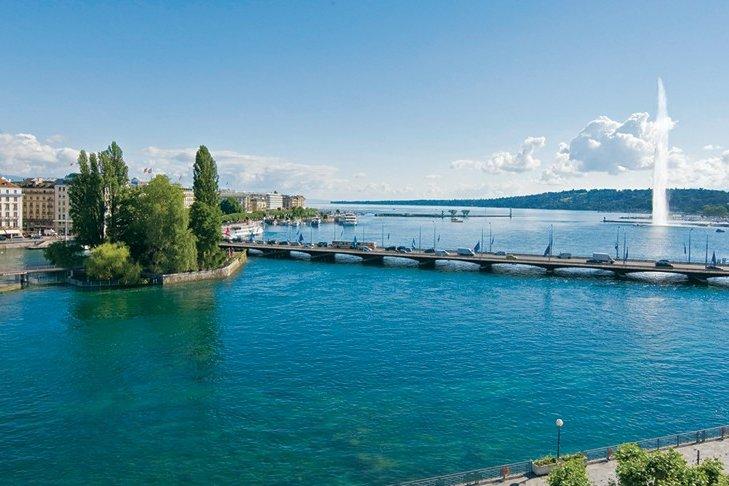 Отель расположен в центре Женевы