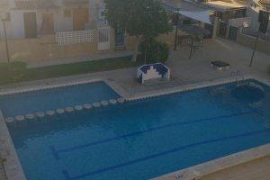 Красивый таунхаус, с бассейном!