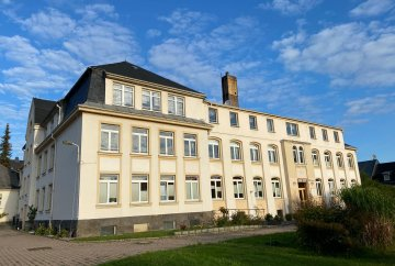 Pension, nursing home, hotel in Auerbach