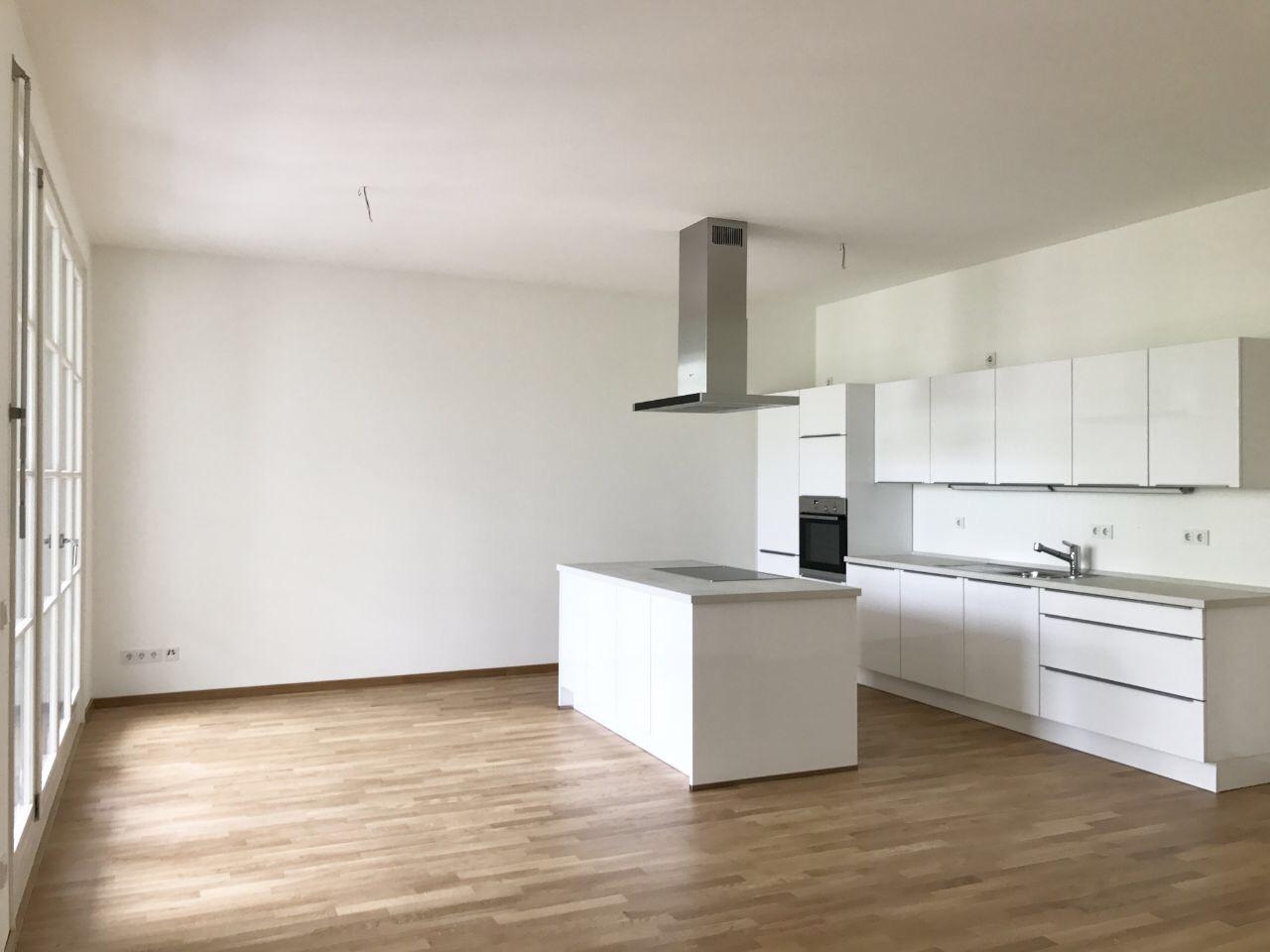3-комнатная квартира недалеко от Кудамма