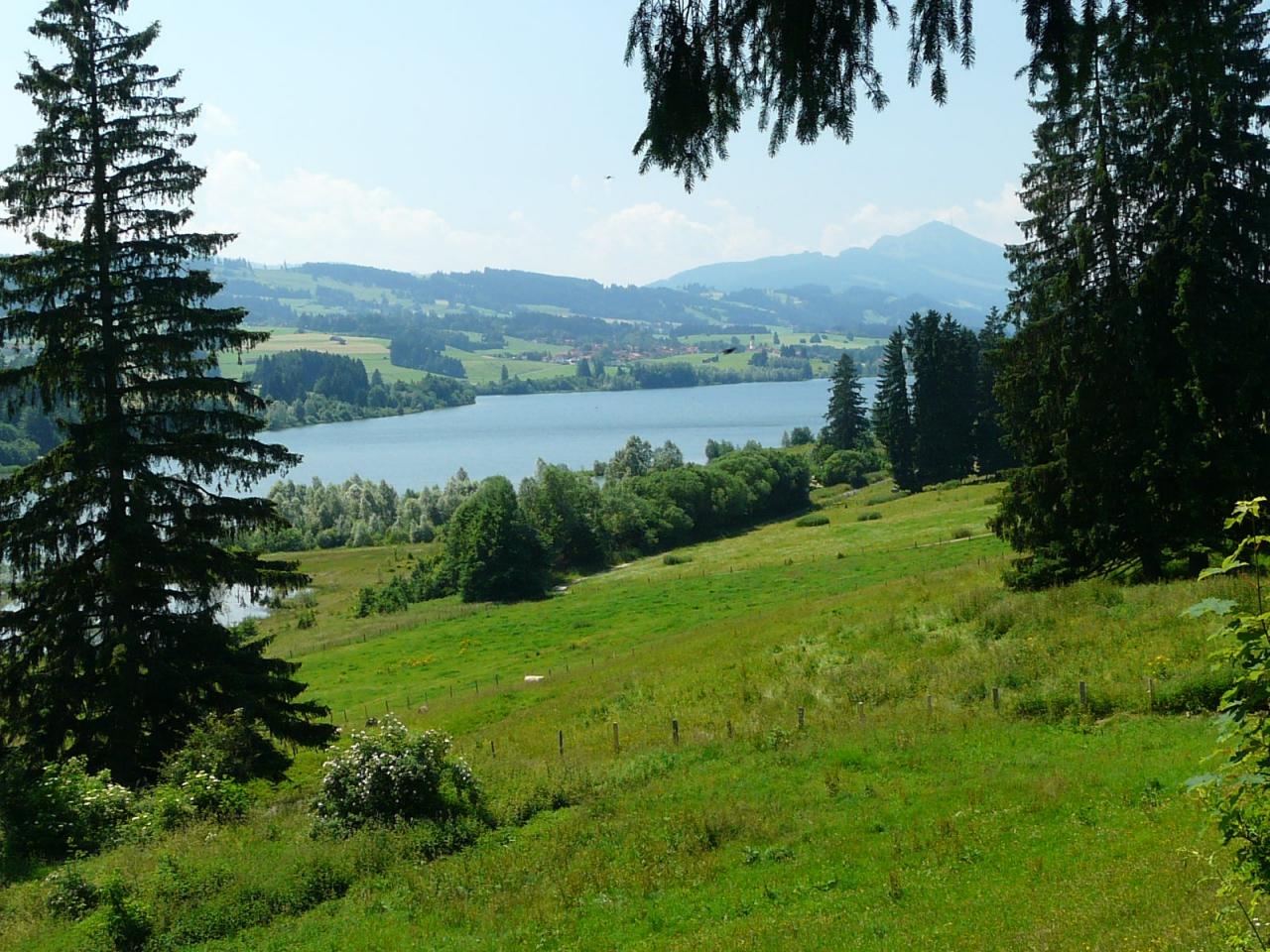 Вилла на озере Роттах в баварских Альпах
