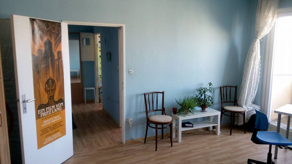 Free apartment min south balcony